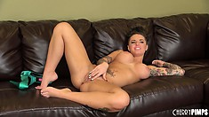 Come-hither babe Christy Mack really means to masturbate right here and now