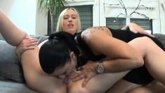 Amateur Teen Babe With Big Boobs Sucks Dick On Webcam