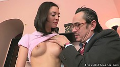 The seductive girl displays the sexy curves of her body and her great blowjob skills