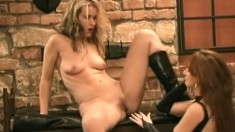 Mistress Red plays around with submissive Maria's tight holes