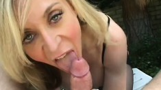 Cum-drinking blonde begs her hung lover to jizz all over her