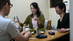Amateur Japanese Threesome